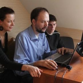 Производство клипа намастер-классе (закомпьютером— Алексей Макаров), Минск, Беларусь, 2011 год