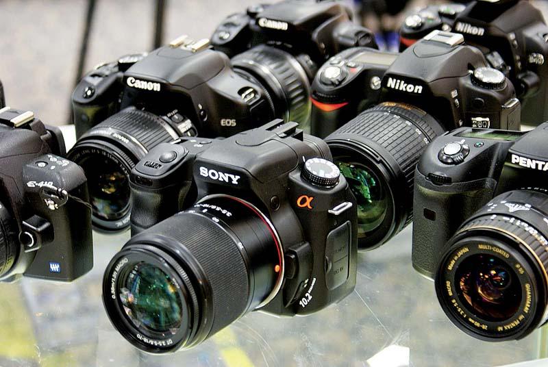 Камеры Canon EOS, Sony α (Sony Alpha, Сони-альфа), Pentax, Nikon (сайт Минской школы киноискусства)