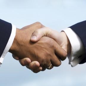 Рукопожатие при договоре