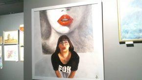 Картины нахудожественной выставке (Art exhibition)