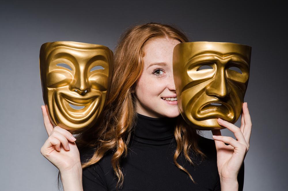 Актриса играет смасками: курс «Актёрское мастерство» (для взрослых, Минск, Беларусь) (сайт Минской школы киноискусства)