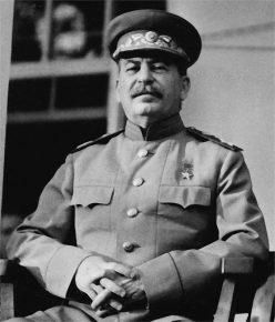 Иосиф Виссарионович Сталин (Джугашвили) наТегеранской конференции (28.11.1943)